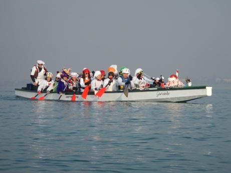 Canoa – Kayak: Corteo di Carnevale – passeggiata in dragon boat