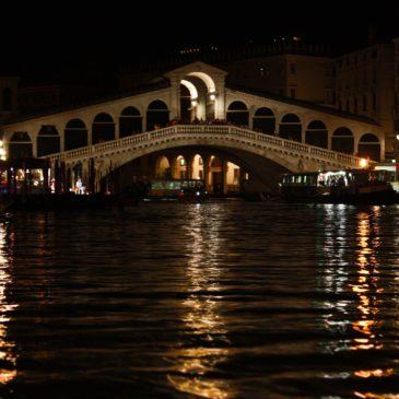 Canoa- Kayakando: Dragon boat serale a Venezia