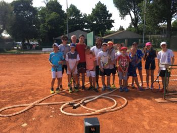 Tennis: prove gratuite per ragazzi