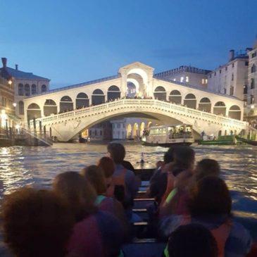 Canoa-kayak: In dragone di sera a Venezia